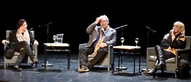 Lilli Paasikivi haastattelee Jorma Silvastia ja Karita Mattilaa ensi-iltaesittelyssä 14.1.2014