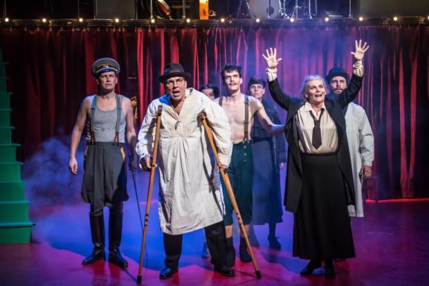 KOM-teatteri: Vallankumous (kuva: Noora Geagea)
