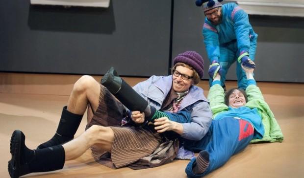 KOM-teatteri: Pasi was here. Robert Enckell, Johannes Holopainen, Juho Milonoff. Kuva: Tanja Ahola.
