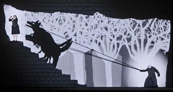 Taikahuilu. Kuvassa Jukka Romu (Monostatos) (kuva: Heikki Tuuli, Suomen kansallisooppera)