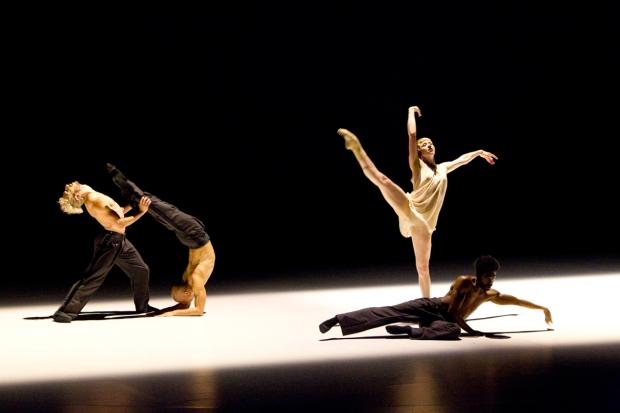 Dance Me. Kuva: Petri Laitinen.
