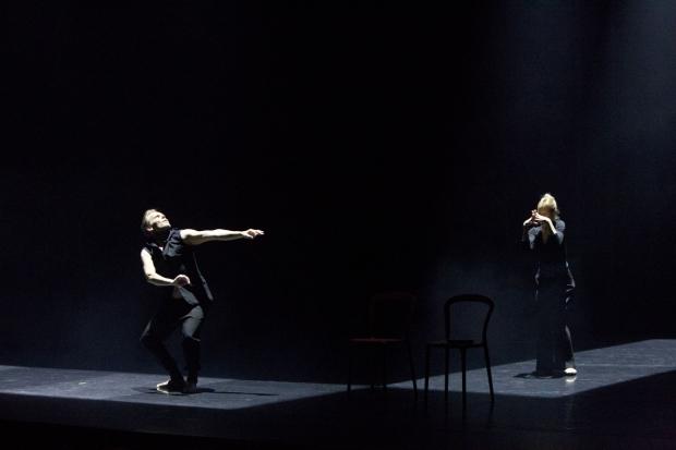 Tero Saarinen ja Carolyn Carlson. Kuva: Petri Laitinen.